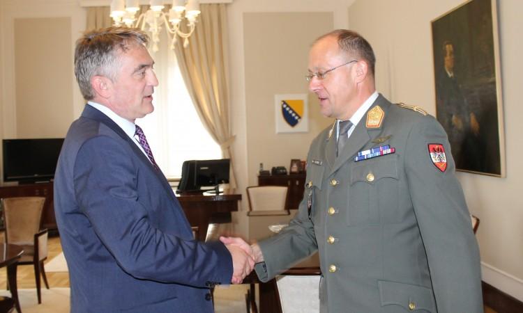 Komšić - Dorfer :Još je potrebno prisustvo EUFOR-a u BiH